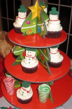 Cupcakes at a Winter Party #winter #party