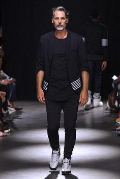 Grungy Gentleman New York Fashion Week Men's Spring Summer 2018 - Sagaboi - Look 2