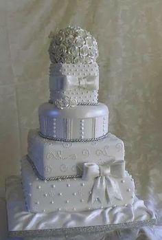 WEDDING CAKE www.pismobeachvacation.com