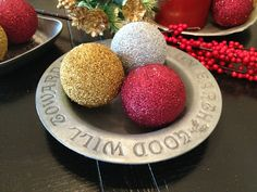 Living Unbound: Day 10: DIY Christmas Glitter Balls