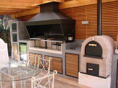 Quinchos balcones y terrazas modernos de comercial dominguez moderno   homify Rustic Kitchen Design, Outdoor Kitchen Design, Patio Design, Backyard Covered Patios, Backyard Patio, Bbq Shed, Outdoor Bbq Kitchen, Garden Deco, Bathroom Design Luxury