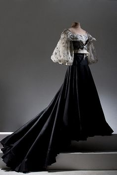 A meld of traditional Filipino styles and modern cuts. A meld of traditional Filipino styles and modern cuts. Pineapple fiber top with embroidery and sheer black long skirt. Vintage Outfits, Vintage Gowns, Vintage Mode, Moda Vintage, Old Dresses, Pretty Dresses, Traditional Fashion, Traditional Dresses, Beautiful Gowns