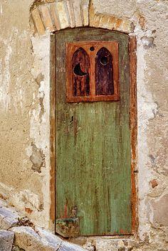 Una porta a Cefalù