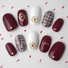 アリスレッドのツイードネイル in 2019 Plaid Nail Designs, Nail Art Designs, Plaid Nails, Red Nails, Gel Nagel Design, Chanel Nails, Nails Only, Nail Polish Art, Xmas Nails