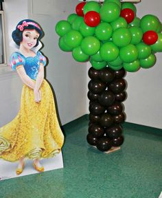 Snow White Birthday Party Ideas | Photo 3 of 14 | Catch My Party