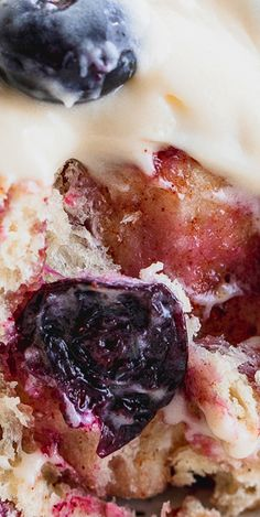 These fluffy blueberry cinnamon rolls are a take on berries and cream rolls. There is a fluffy dough filled with cinnamon, brown sugar, and blueberry preserves and are topped with a cream cheese frosting. Cream Cheese Glaze, Cream Cheese Frosting, Blueberry Cinnamon Rolls, Brown Sugar, Camembert Cheese, Sweet Treats, Berries, Vegetarian, Food