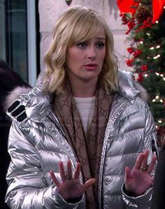 Caroline's silver puffer jacket and GG scarf on 2 Broke Girls. Outfit Details: http://wornontv.net/42296/ #2BrokeGirls