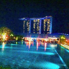 Instagram【lilchocomilkshake】さんの写真をピンしています。 《Nice Bar with great view, and music✨😎😉💕🎵✨Highly recommended! 暗かったからか画質悪すぎ😂  #Singapore#NightView#marinabaysands#Pool#Beach#Sentosaisland#Beautiful#Hyatt#Shangrila#InterContinental#Hotel#Casino#Trip#BizTrip#Dinner#シンガーポール#夜景#雨#綺麗#マリーナベイサンズ#プール#ビーチ#レストラン#高層階#ハイアットホテル#セントサ島#カジノ#海外出張#海外旅行》