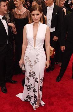 Kate Mara attends the 2015 Met Gala