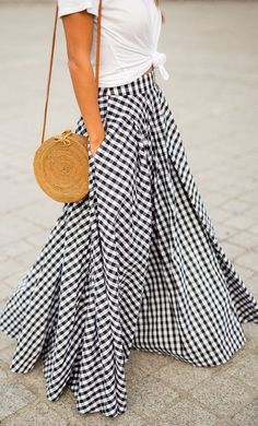 When in Paris… How fun is this gingham skirt outfit? We love how fun and playful this look is! Look Fashion, Womens Fashion, Fashion Trends, Plaid Fashion, Fashion 2016, Ladies Fashion, Fashion Styles, Fashion Art, Fashion Ideas