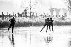 Schaatsers op de Oude Leie. #deinze #vosselareput #schaatsen