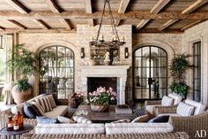 Hydrangea Hill Cottage: Gisele Bundchen and Tom Brady's New Home