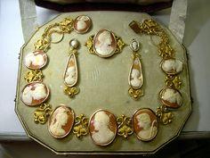 wow! quelle belle parure de shell cameo circa 1880