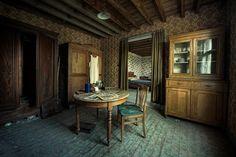 Imside Abandoned Houses | Abandoned House Inside