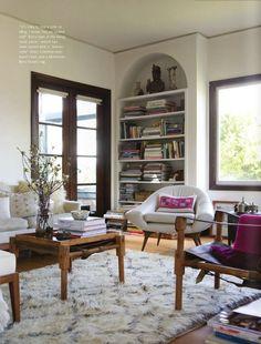 nice built in bookshelf