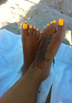 29 Ideas Neon Gel Pedicure For 2019 Bright Toe Nails, Neon Toe Nails, Yellow Toe Nails, Toe Nail Color, Cute Toe Nails, Nail Colors, Nice Nails, Fancy Nails, Neutral Nails