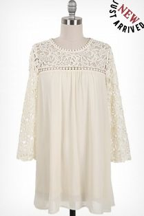 Flowy ivory crochet lace top, round neckline, and 3/4 length sleeve #spring #transitionintospring