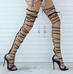 These show stopping gladiator sandals will make a statement where they  walk. Pair them with · Heiße SchuheGladiator ... af798980af95