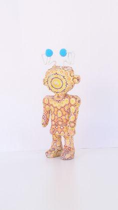 Πρωτότυπη Ξύλινη Μολυβοθήκη με Print Ρομπότ και Γαλάζια Πον Πον ! Η Διάστασή της είναι δ 8 cm και το Ύψος της με τα Πον Πον 11 cm ! Είναι Σετ με το Μικρό Ρομποτάκι με τις Συρμάτινες Κεραίες, στο οποίο μπορείς να βάλεις σημειώσεις, το πρόγραμμα ή και μια φωτογραφία! Η Διάστασή του είναι 8 x 2 cm και το Ύψος τoυ 14 cm ! Έχουν χρησιμοποιηθεί κόλλα και βερνίκι νερού τα οποία είναι άοσμα και μη τοξικά! Boy Room, Our Love, Table Lamp, Boys, Home Decor, Baby Boys, Table Lamps, Decoration Home, Room Decor
