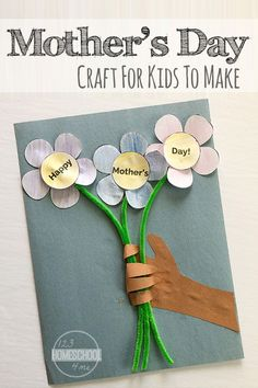 Happy Mothers Day Flowers and Handprint Craft - this is my new favorite mothers day crafts. It is cute, easy to make, and the perfect gift for mom. THis is a fun craft for kids for toddler, preschool, kindergarten, first grade, 2nd grade, 3rd grade