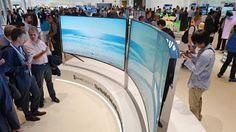 Terwijl Apple naar plat en zo licht mogelijk streeft, denkt Samsung en de consument toch aan wat anders..