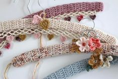 Ravelry: Vintage Flower Hangers pattern by Sandra Paul Christmas Knitting Patterns, Crochet Patterns, Crochet Hair Accessories, Crochet Fall, Yarn Bowl, Paintbox Yarn, Red Heart Yarn, Arm Knitting, Yarn Brands