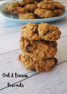 Oat and Raisin Biscuits Recipe. An easy snack to make for the kids or lunchbox treat. Freezer friendly and Thermomix instructions also included. Source by Biscuit Recipe For Kids, Oat Biscuit Recipe, Snacks To Make, Easy Snacks, Raisin Biscuits Recipe, Baking Recipes, Cookie Recipes, Healthy Biscuits, Lunch Box Recipes