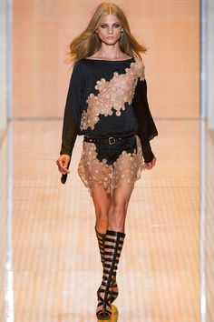 Versace Spring 2013 RTW - Runway Photos - Fashion Week - Runway, Fashion Shows and Collections - Vogue
