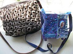 2Juweeltjes in de Viltkunst; een ruige tas met zeepokken van Annie Veldkamp en een sprookjesachtige tas in lavendelkleuren van Brigitte Eertink.