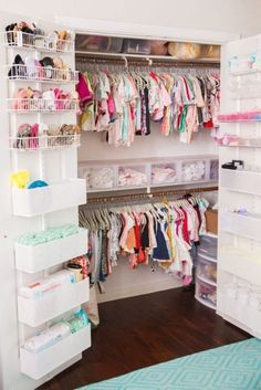 Keep your baby's nursery organized with these 11 clever and stylish nursery organization ideas. Related posts:disney baby nursery ideasDecorate your baby girl's nursery beautifully with these light colors: blush. Baby Bedroom, Baby Room Decor, Girls Bedroom, Room Baby, Trendy Bedroom, Twin Baby Rooms, Kid Bedrooms, Child Room, Daughters Room