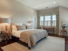 Best Paint Colors to Sell Your Home (Favorite Paint Colors) Interior Paint Colors, Paint Colors For Home, House Colors, Interior Design, Wall Colors, Benjamin Moore Bedroom, Favorite Paint Colors, Guest Bedrooms, Master Bedrooms