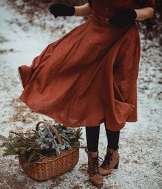 This retro style dress is very elegant, delicate and really comfort as all our dresses. Full circle skirt beautifully sways with every your movement. Look Fashion, Retro Fashion, Girl Fashion, Winter Fashion, Vintage Fashion, Fashion Boots, Nikko Hurtado, Tribal Arm, Ulzzang