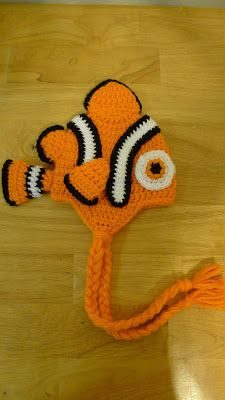 """DIY Crochet a Clownfish Hat like Disney's """"Finding Nemo"""". For all the young and young at heart from age 3 Months till Adult+ FREE Pattern for All Sizes Bonnet Crochet, Crochet Beanie, Knit Or Crochet, Cute Crochet, Crochet Crafts, Crochet Projects, Unique Crochet, Crochet Character Hats, Love Knitting"""