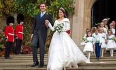 This morning, Princess Eugenie of York wed her longtime boyfriend Jack Brooksbank in Windsor Castle. Here, 13 of the best looks from the last royal wedding of the year. Prince Andrew, Prince William And Kate, Prince Harry And Meghan, Princesa Eugenie, Princess Eugenie Jack Brooksbank, Kate Middleton Wedding Dress, Eugenie Wedding, Eugenie Of York, Wedding Photos