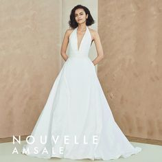 Find and compare nouvelle AMSALE Melia Halter Neck Taffeta Ballgown across the world's largest fashion stores! Western Wedding Dresses, Classic Wedding Dress, Sexy Wedding Dresses, Bridal Dresses, Wedding Gowns, Wedding Suite, Halter Neck Wedding Dresses, Halter Gown, Amsale Bridal