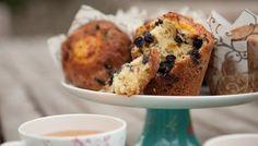 BBC - Food - Recipes : Lemon and blueberry muffinsWeekend muffins - never fail! Lemon Blueberry Muffins, Blue Berry Muffins, Muffin Recipes, Baking Recipes, Cake Recipes, Saturday Kitchen Recipes, Yummy Treats, Sweet Treats, Yummy Food