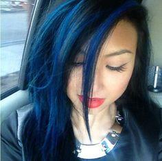 Jeannie Mai's blue hair... I LOVE IT