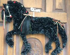 TheMiraclePony on Etsy Horse Head Wreath, Horse Crafts, Horse Art, Fun Stuff, Christmas Wreaths, Etsy Seller, Horses, Halloween, Creative