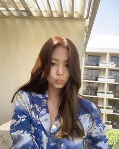 Jennie Kim Age, Jennie Blackpink, Blackpink Fashion, Korean Fashion, South Korean Girls, Korean Girl Groups, Korean Hairstyle Long, Kim Hair, Blackpink Debut