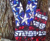 Peace fingers mosaic https://www.etsy.com/shop/humptydumptymosaics?ref=si_shop