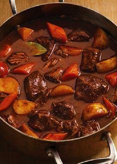 Low FODMAP Recipe and Gluten Free Recipe - Beef & vegetable casserole    http://www.ibs-health.com/low_fodmap_beef_vegetable_casserole.html