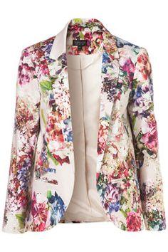 floral blazer love.