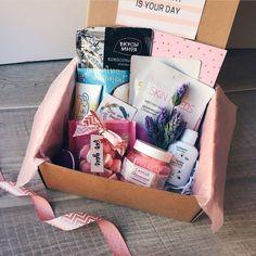 Pink is everyware Cute Birthday Gift, Birthday Gifts For Best Friend, Birthday Box, Friend Birthday, Best Friend Gifts, Bff Gifts, Cute Gifts, Diy Gift Baskets, Diy Gift Box