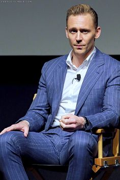 Tom Hiddleston at the panel of AMC's 'The Night Manager' during Tribeca Film Festival, NYC, (x) Tom Hiddleston Benedict Cumberbatch, Tom Hiddleston Funny, Guys In Grey Sweatpants, Slim Suit, Tribeca Film Festival, Thomas William Hiddleston, Jon Hamm, Hollywood Actor, Good Looking Men