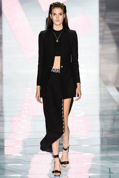 Milan Fashion Week Day 3 Versace Spring/Summer 2015 Ready to wear 19 September 2014 Donatella Versace, Gianni Versace, Runway Fashion, New Fashion, High Fashion, Fashion Show, Fashion Design, Milan Fashion, Fashion News