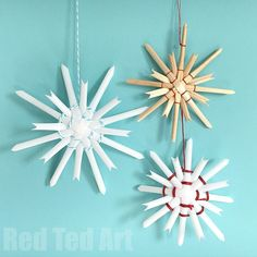 Explore traditional Straw Stars from Germany. Without any gadgets and just using the traditional method of straw and thread. We even had a go at these with drinking straws, turning them in to simple and pretty Straw Snowflake Ornaments. We LOVE Homemade C