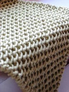 Chinese Waves Dishcloth pattern by Margaret Radcliffe