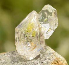 Golden Enhydro Herkimer Diamond Quartz by KachaStones on Etsy