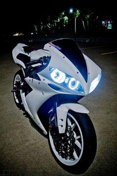 sport sport bikes street sport motorcycles 15 be Yamaha R1, Ducati, Yamaha Motorcycles, Cars And Motorcycles, Moto Bmx, R1 Moto, Motorcycle Bike, Bike Bmw, Bmw 1000rr