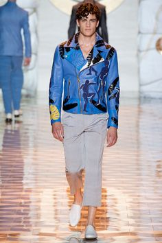 It's All about #versace #mensstyle and this cuban art inspired leather jacket....ofcourse